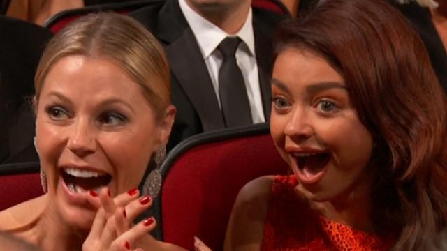 Ex-woordvoerder Trump schokt publiek met aanwezigheid bij Emmy's