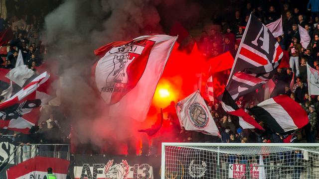 UEFA beboet AZ voor afsteken vuurwerk tegen Maccabi Tel Aviv