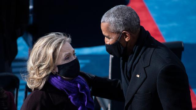 Onder de aanwezigen waren ook Hillary Clinton en oud-president Barack Obama.