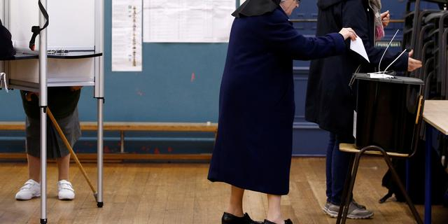 Verrassende exitpoll Ierland: nek-aan-nekrace tussen drie partijen