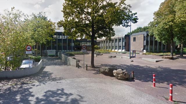 Burgemeester Oosterhout officieel ontslagen na handtekening Koning