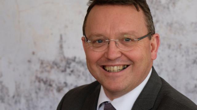 Jouke de Vries benoemd tot nieuwe bestuursvoorzitter RUG