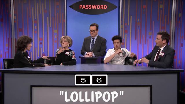 Jane Fonda, Lily Tomlin en Cole Sprouse raden elkaars wachtwoord