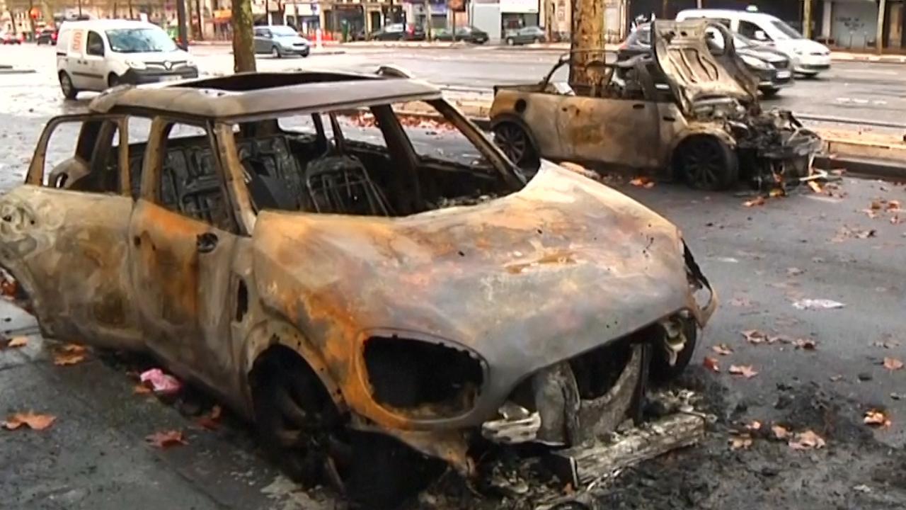 Ravage in Parijs na protesten 'Gele Hesjes'