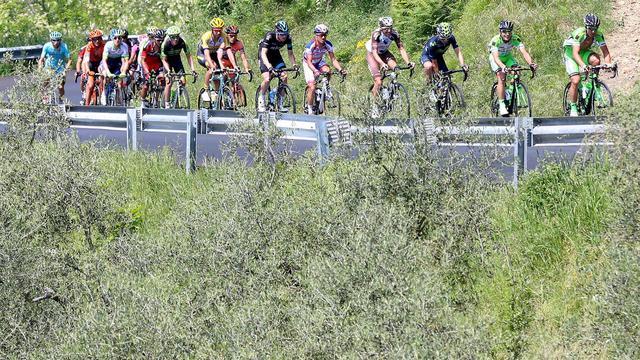 Keizer botst op jonge toeschouwer in vierde Giro-rit
