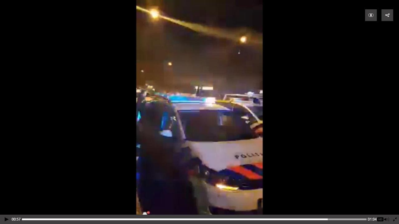 Inbreker bijt agent in moskee Rozengracht