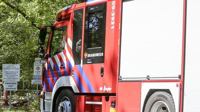 Brandweer rukt uit voor brand bij grafisch bedrijf in Waalre