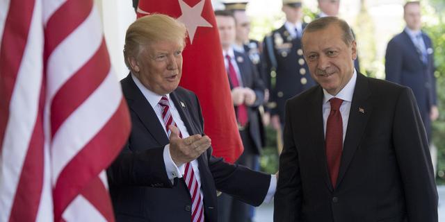 Trump vraagt Erdogan om legeracties in Syrië te beperken