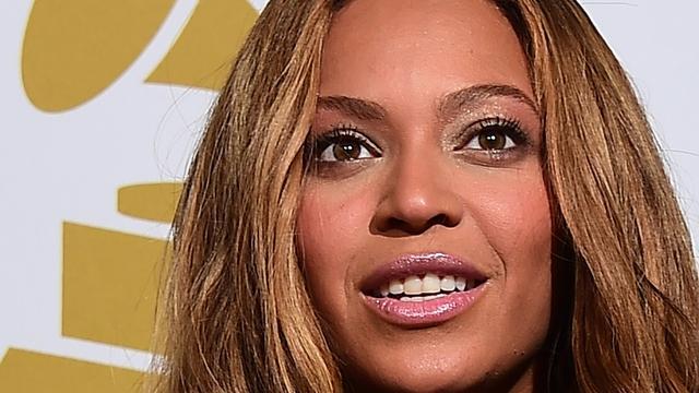 Beyoncé schenkt ring aan grote juwelencollectie Londens museum