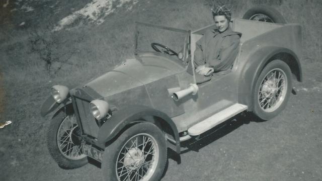 Lotus start zoektocht naar eerste auto van het merk