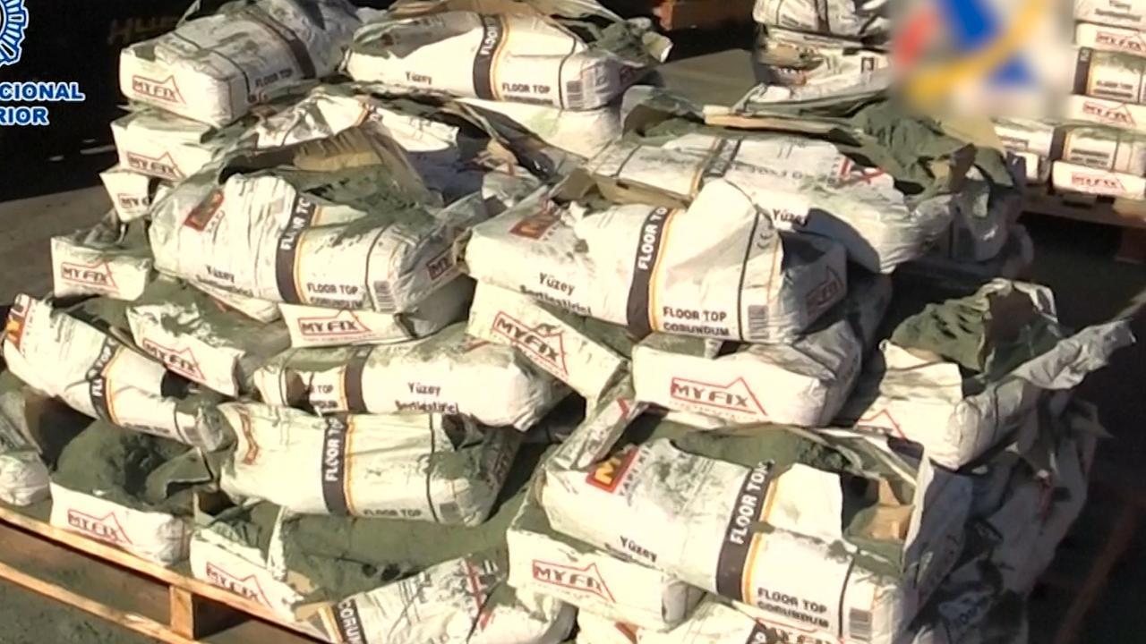Politie ontdekt in cementzakken grootste Spaanse heroïnevangst ooit