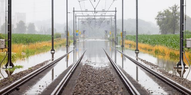 ProRail schat waterschade aan spoor op half miljoen, meer schade in buurlanden