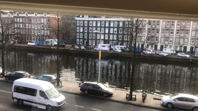 Zeven mensen aangehouden bij doorzoeking veertig appartementen Amsterdam