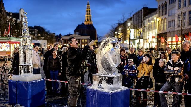IJssculpturen op Vismarkt in Groningen