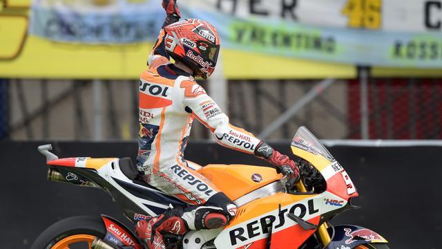 Marquez boekt eerste seizoenszege in MotoGP na valpartij Ducati's