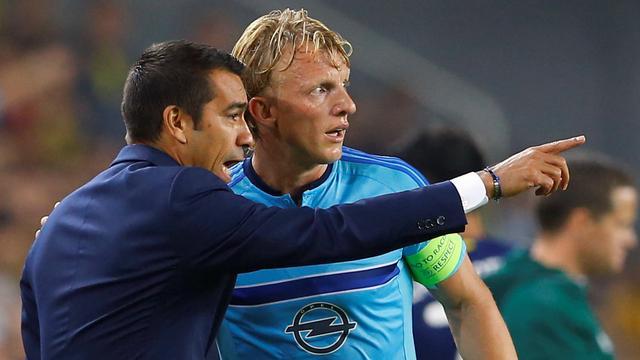Van Bronckhorst en Kuijt balen van zwakke wedstrijd Feyenoord