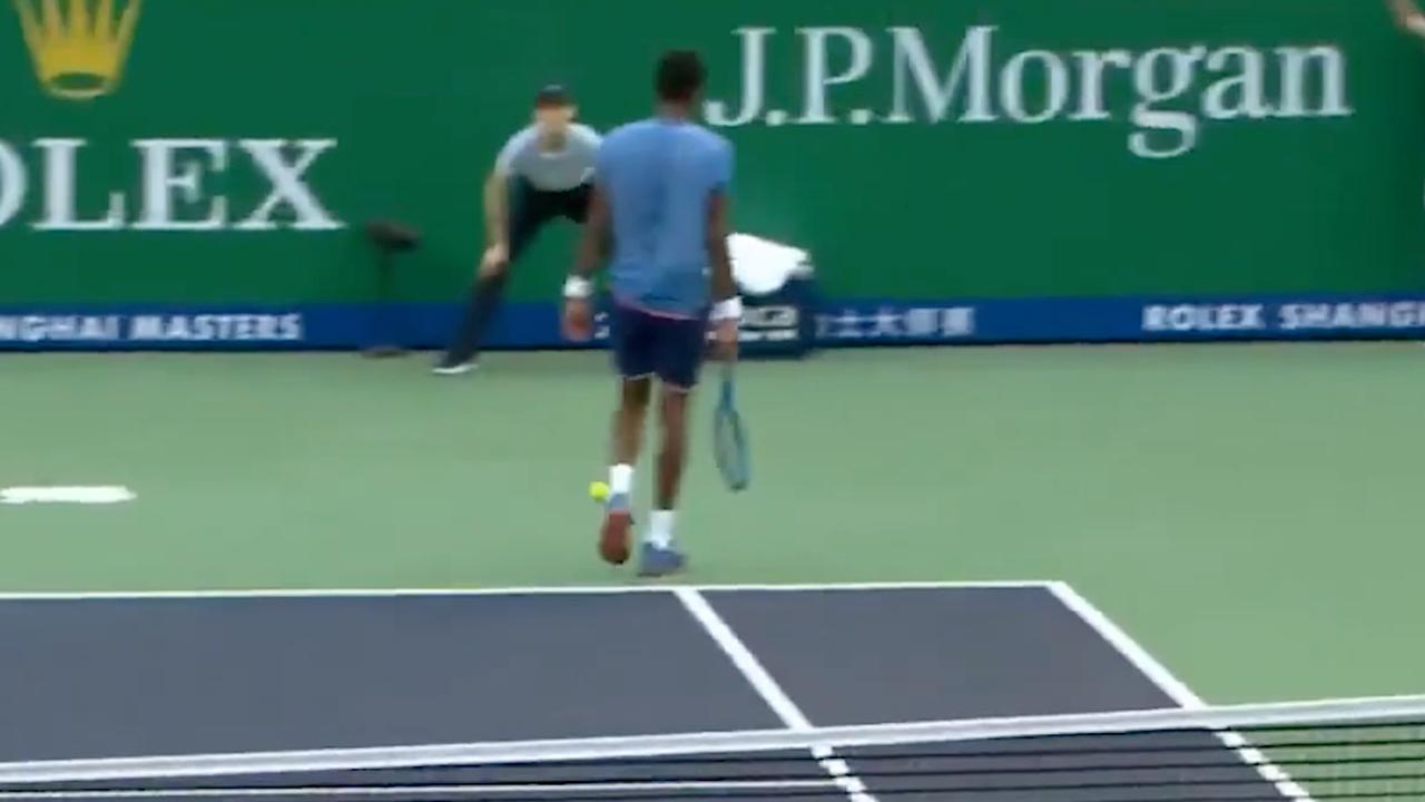Tennisser Monfils vergeet punt uit te spelen in Shanghai
