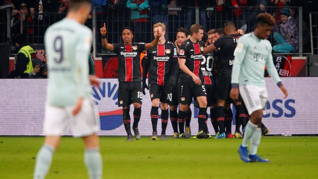 Bosz stunt met Leverkusen tegen Bayern, hoofdrol Weghorst bij Wolfsburg