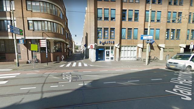 Man raakt gewond bij steekincident in een restaurant aan de Laan