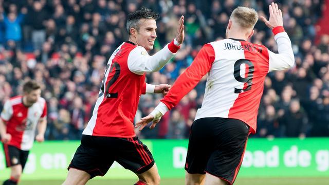 Van Bronckhorst ziet Van Persie én Jörgensen in basis als optie tegen Ajax