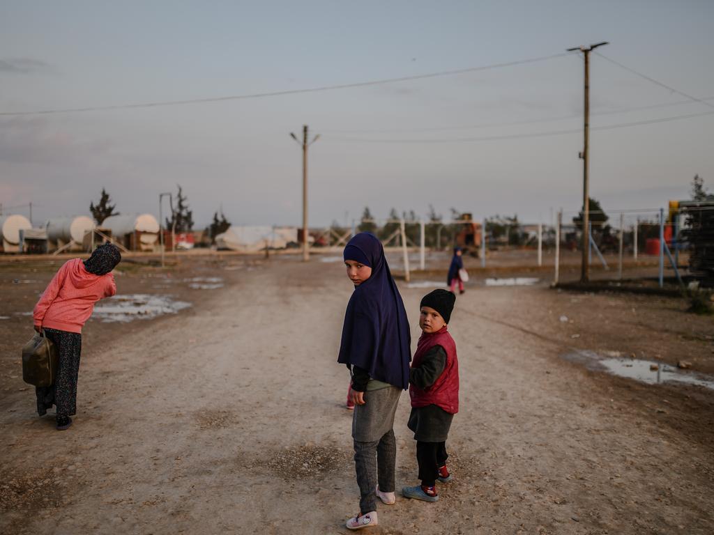 Zes kinderen van Belgische IS-strijders aangekomen in Brussel