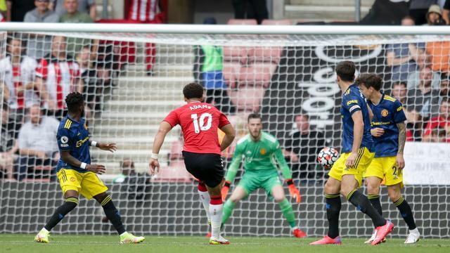 Manchester United kwam op achterstand tegen Southampton door een goal van Che Adams.