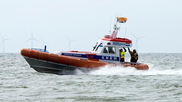 Kustwacht redt elf opvarenden van zinkend zeilschip voor kust Zandvoort