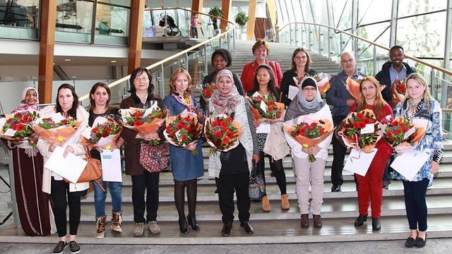 Nederlandse nationaliteit voor zeventien inwoners Alphen