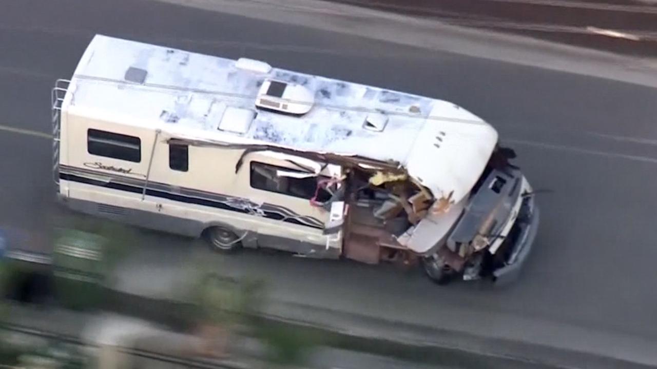 Vrouw in LA rijdt camper total loss tijdens politieachtervolging