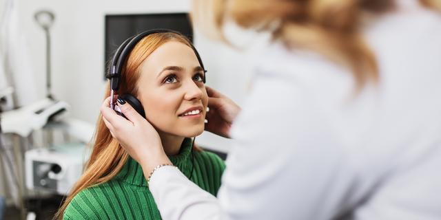 Zo helpt muziek tegen stress, angst en pijn bij operaties