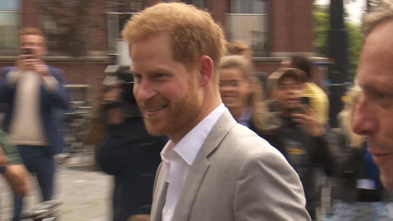 Prins Harry arriveert voor kort bezoek in Amsterdam