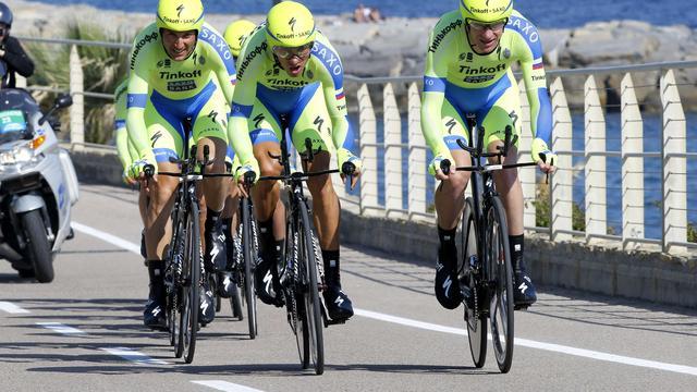 Contador koestert voorsprong op rivalen na ploegentijdrit Giro