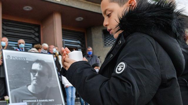 Bij aanslag gedode docent krijgt hoogste Franse onderscheiding