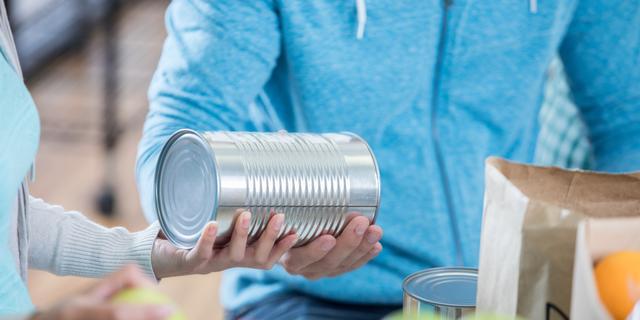 Utrechtse voedselbanken zien voorraad slinken en vragen om producten