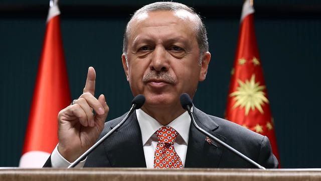 Erdogan wil leger en inlichtingendienst Turkije aanvoeren