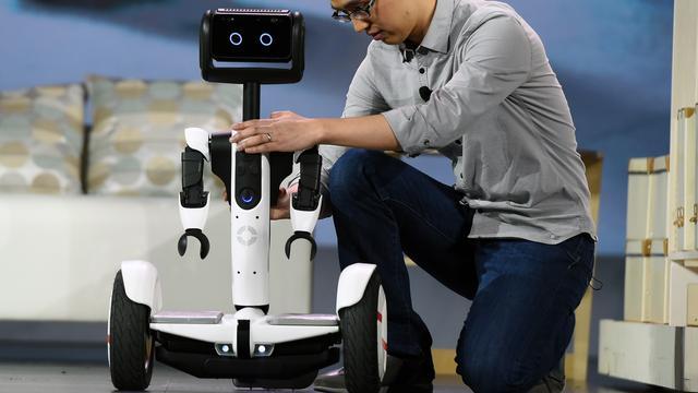 Intel en Segway tonen 'hoverboard-butler'