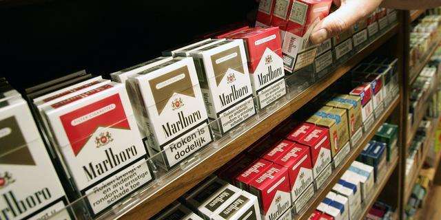 Supermarkten leggen schuld voor tabak-kopende tieners bij buurtsupers