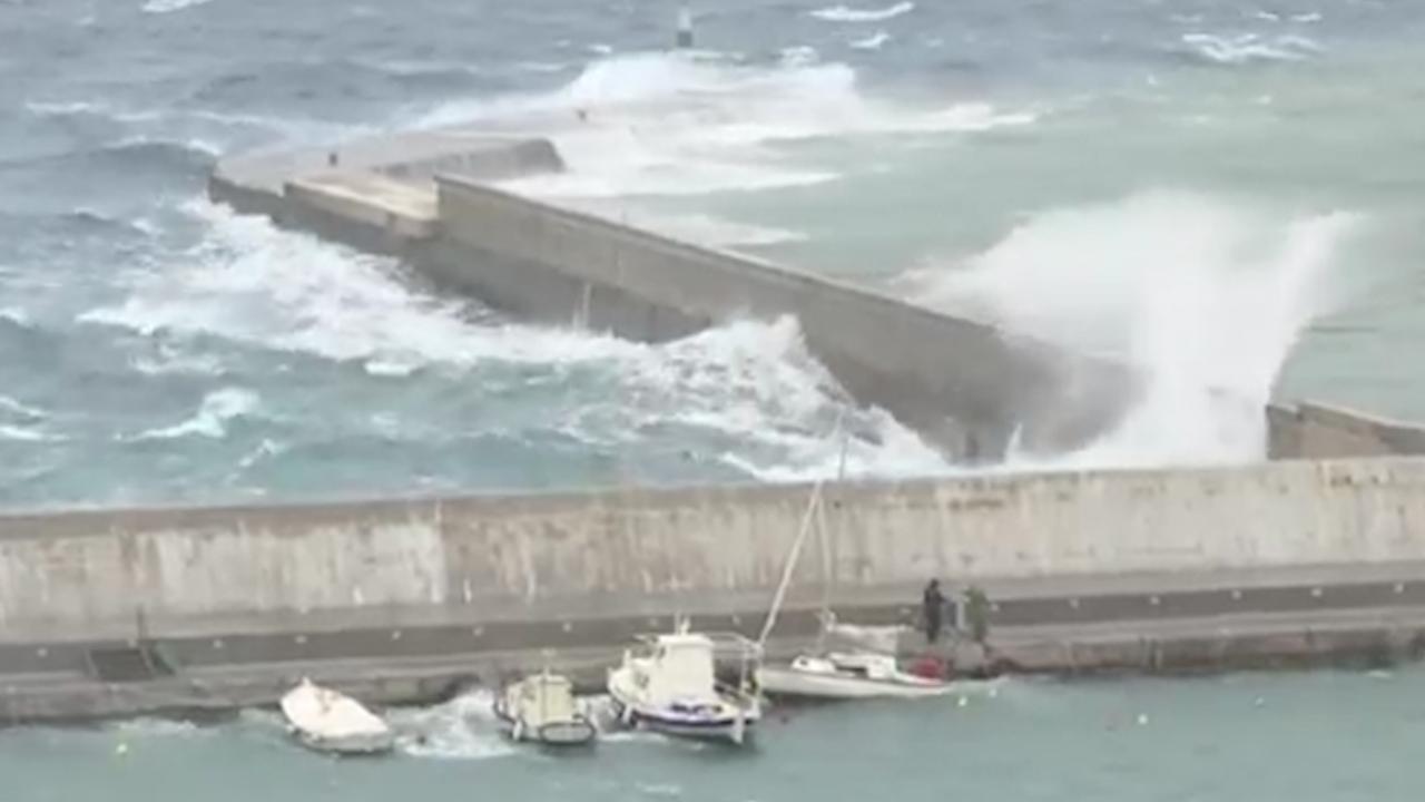 Zee wordt wilder door komst zware storm Griekenland
