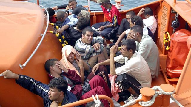 Meer dan 900 vluchtelingen uit zee gered