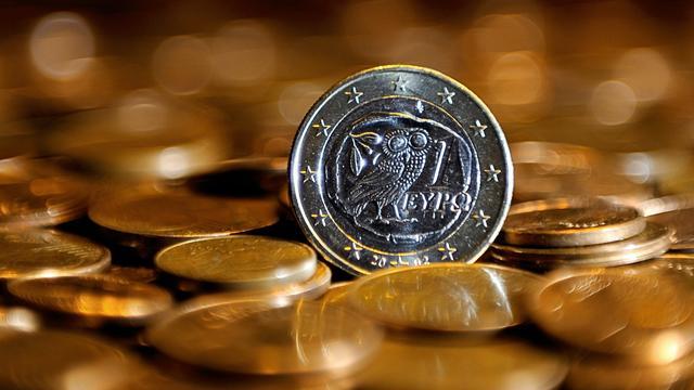 Waarde euro daalt licht na nee-stem bij Grieks referendum