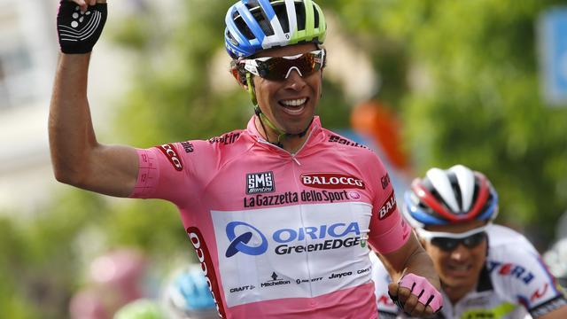 Matthews sprint in roze trui naar zege in derde rit Giro