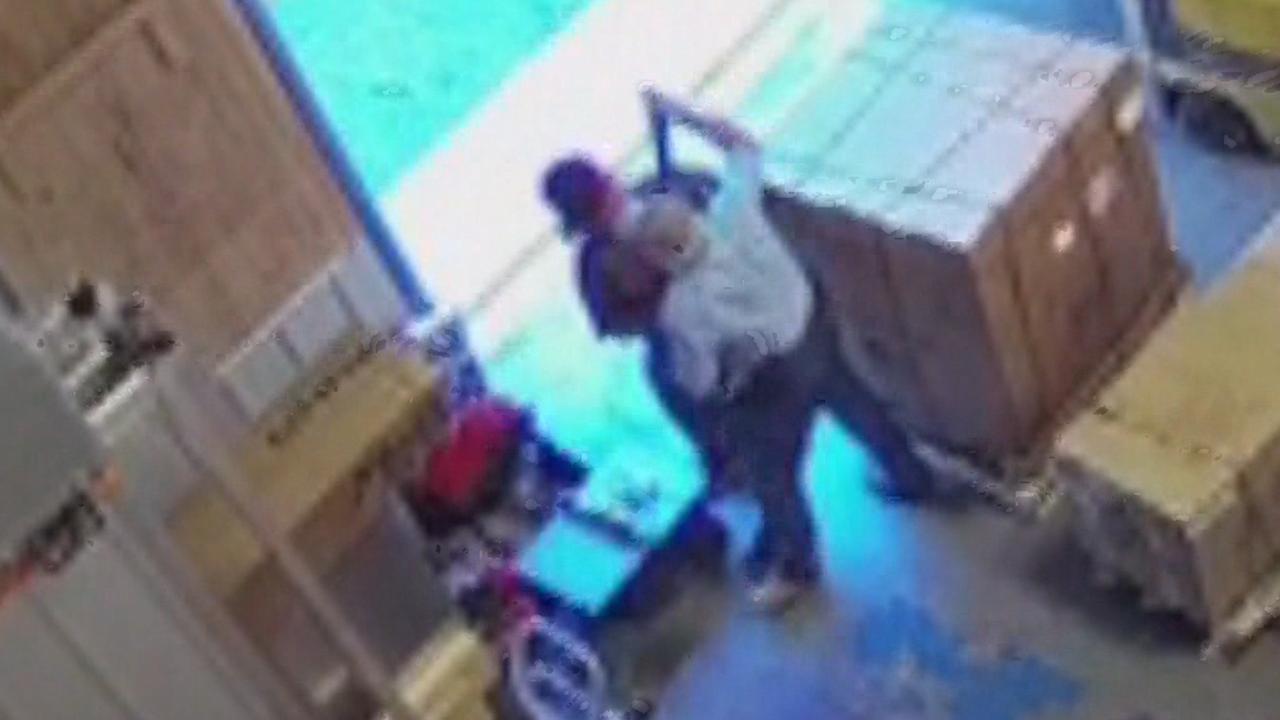Man pakt geweer af van overvaller in New Mexico
