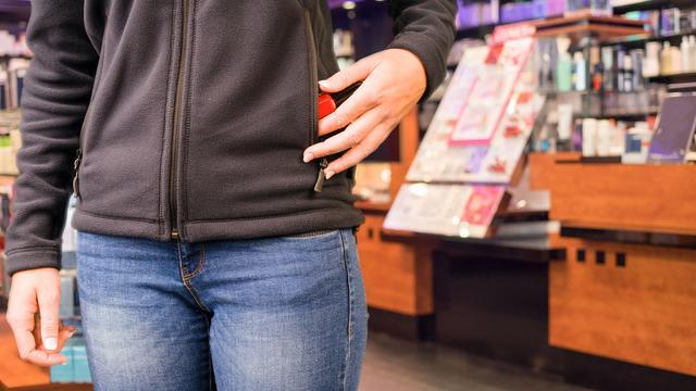 Vrouw bedreigt personeel na winkeldiefstal in Roosendaal