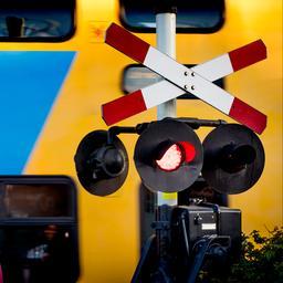 Dodelijk ongeval tussen trein en auto in Leerdam.