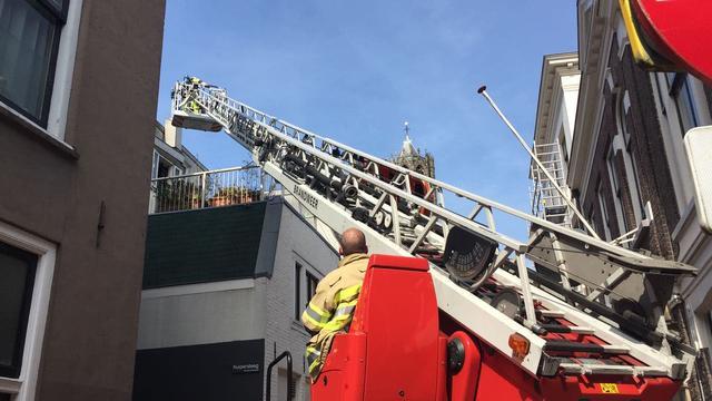 Mariaplaats tijdelijk afgezet door brand in Zadelstraat