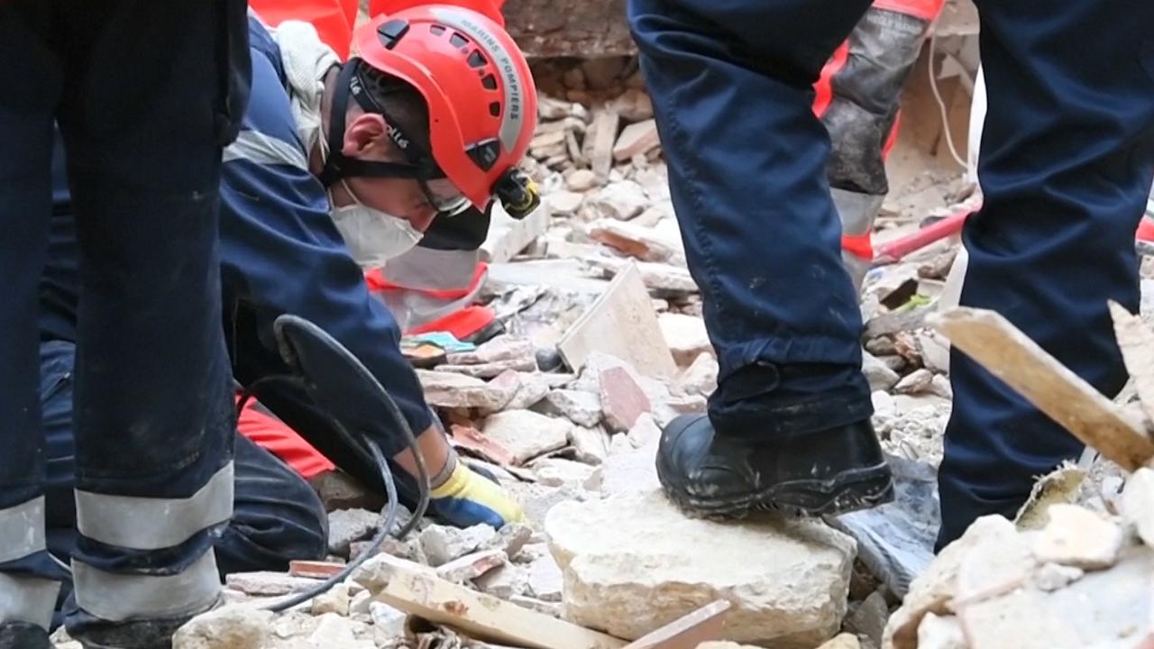 Reddingswerkers zoeken slachtoffers onder puin Marseille