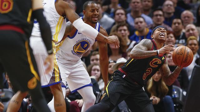 Golden State Warriors wint in topduel van Cleveland Cavaliers