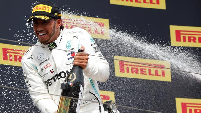 Hamilton wijt saaie races aan 'reeks slechte beslissingen' beleidsmakers