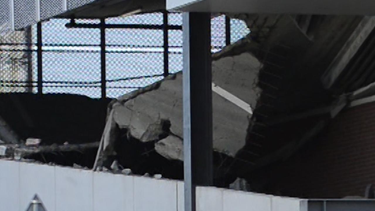 Vloer van parkeergarage in Wormerveer ligt in puin