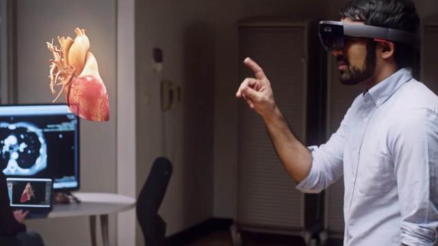 Microsoft-topman verdedigt gebruik HoloLens door Amerikaans leger